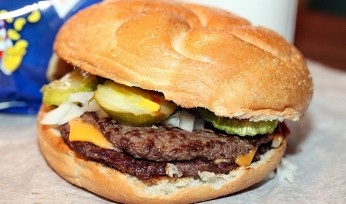 billy-goat-tavern-chicago-cheeseburger-610x407-610x360