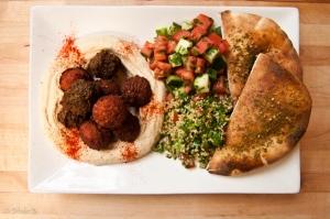 284-blog_nyc-hotspot-find-taim-falafel-smoothie-bar2