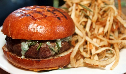 the-spotted-pig-nyc-chargrilled-burger-fries-610x360